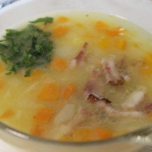 Суп картофельный с бобовыми с копченой грудинкой