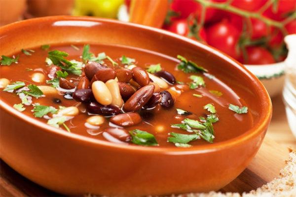 Суп картофельный с консервированной фасолью
