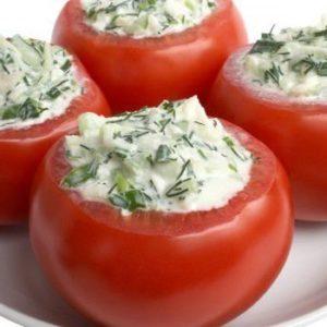 Помидоры фаршированные сырным салатом