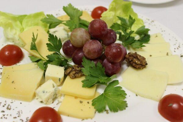 Сырная тарелка 3