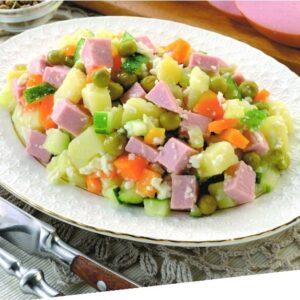 Салат овощной с колбасой 3